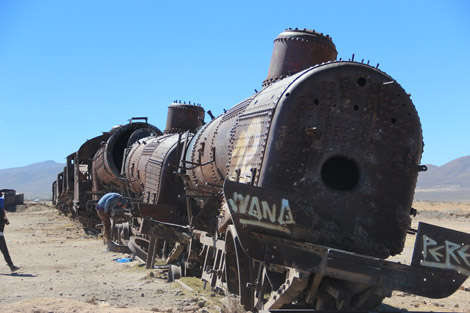 Uyuni cimetiere train loco face