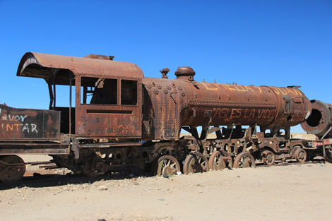 Uyuni cimetiere train loco