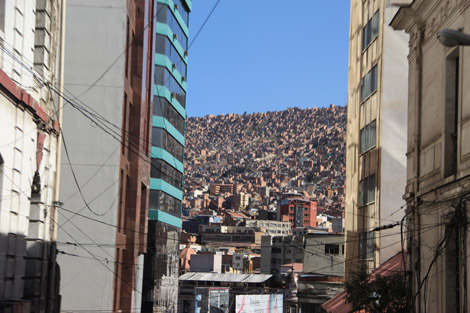 La ville qui s'accrochait aux montagnes