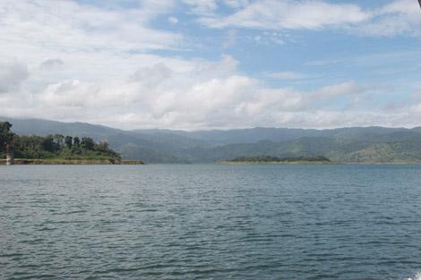 Une vue du lago Arenal