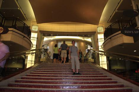 Escaliers foulés par les stars (dont Élodie)