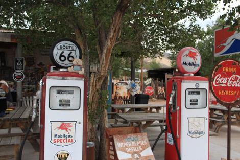 Nestor et pompe à essence