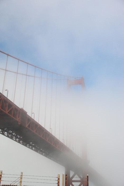 Un pont dans le vague