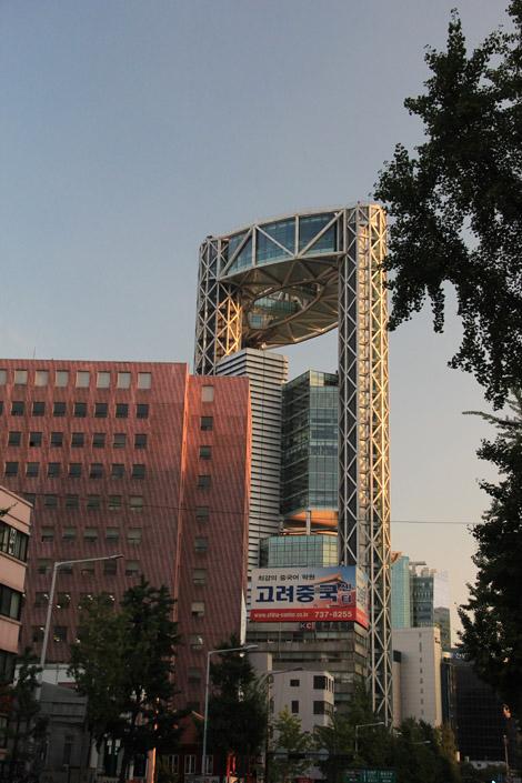 Des immeubles qui ne dépareilleraient pas avec Hong Kong!