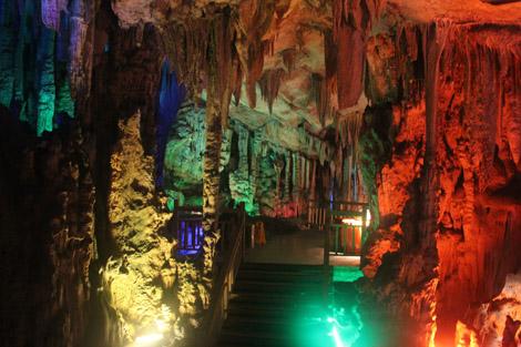Dans la grotte 3