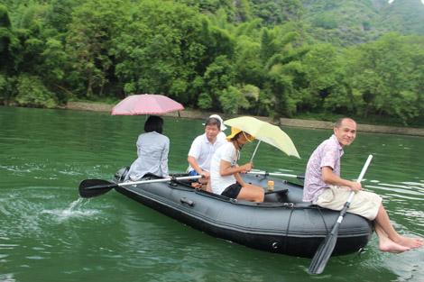 Jeux sur la rivière Li Chine