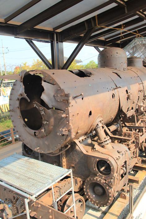 Train mitraillé