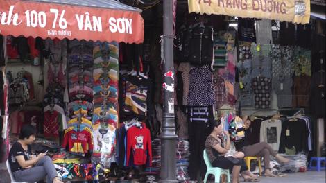 Rue des vêtements à Hanoï
