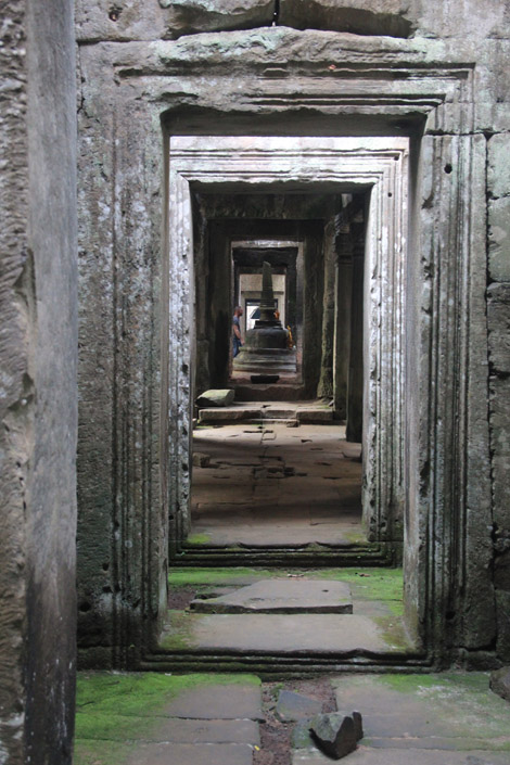 Un temple tout en longueurs