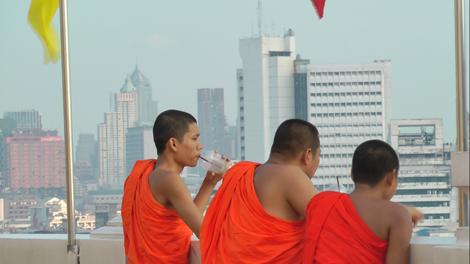 Face à Bangkok...