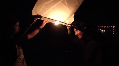 File dans le ciel petite lampe !