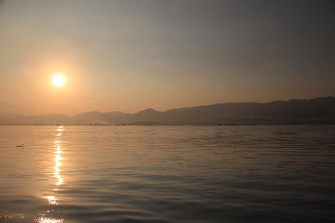 Coucher de soleil sur Inlé