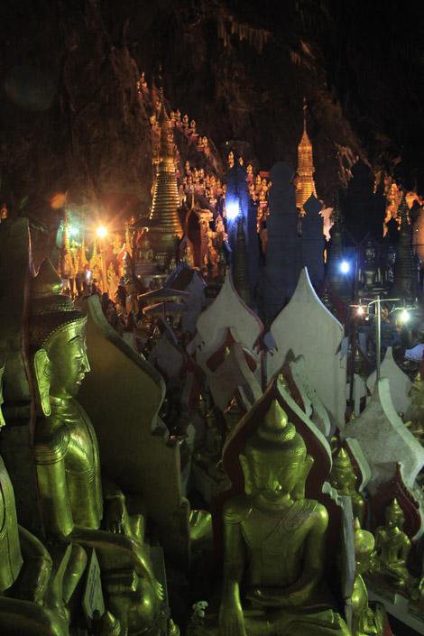 La grotte aux huit mille bouddha