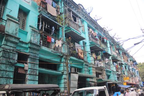 Une rue de Yangon 2