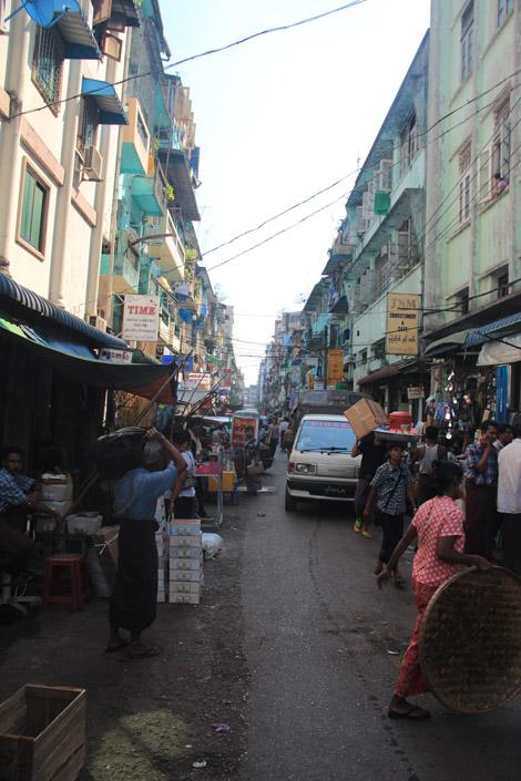 Une rue de Yangon