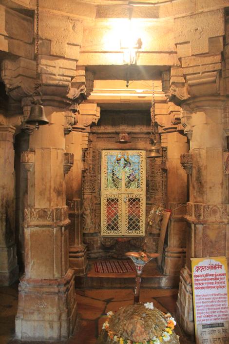 A l'intérieur d'un temple hindouiste