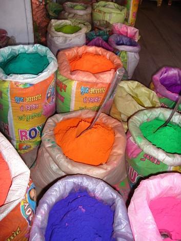 Colorant indien sur le marché