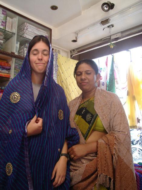 Si vous vous demandiez, voici Élodie en sari