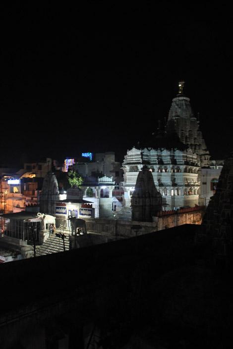 Le temple, la nuit