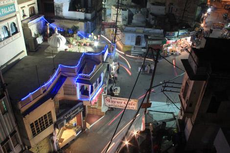 Au pied du temple, la rue du tournage d'Octopussy