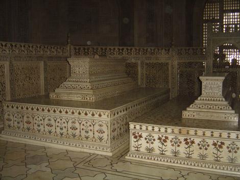 Les tombeaux