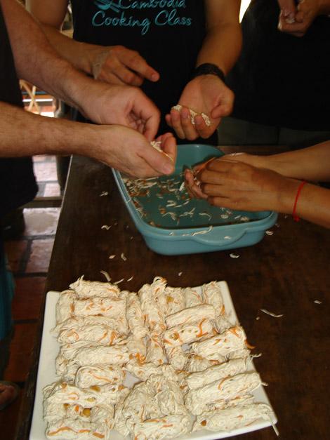 Faire des boudins de taro/carotte/cachouètes