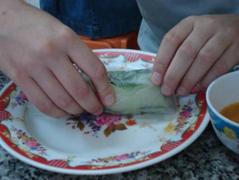 Au Vietnam, souvent, on les fait soi même avant de les manger frais